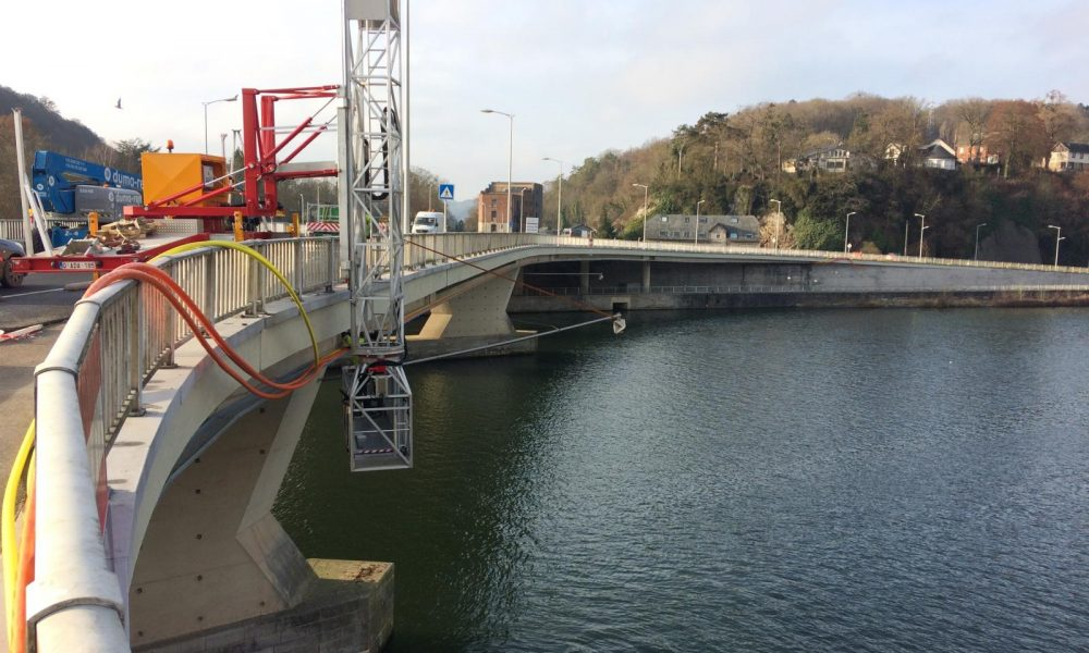 Travaux sous pont
